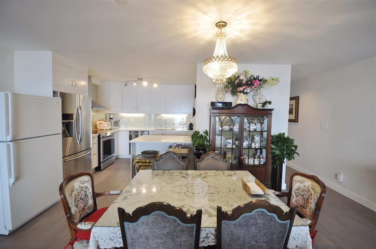 Condo Apartment at 111 2274 FOLKESTONE WAY, Unit 111, West Vancouver, British Columbia. Image 7