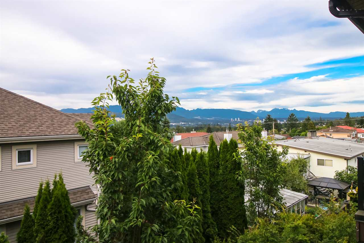 Townhouse at 14 6538 ELGIN AVENUE, Unit 14, Burnaby South, British Columbia. Image 20