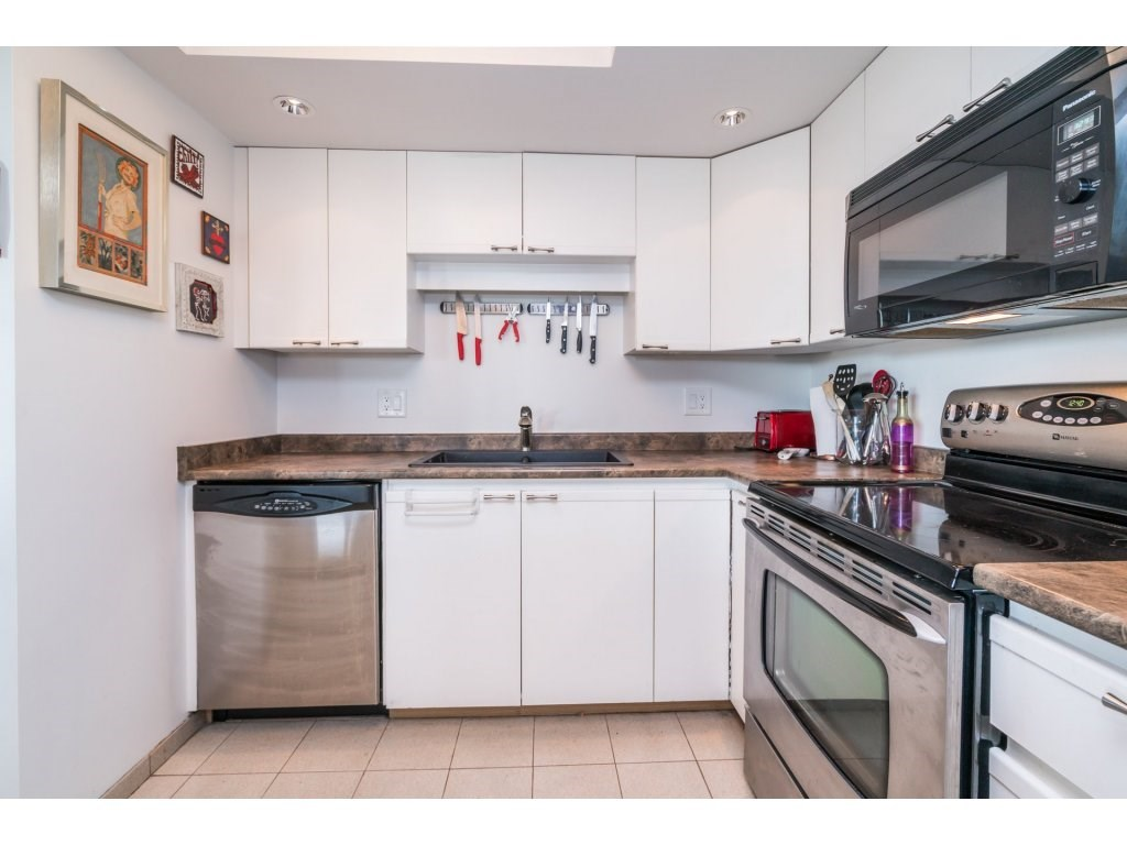 Condo Apartment at 506 1135 QUAYSIDE DRIVE, Unit 506, New Westminster, British Columbia. Image 11