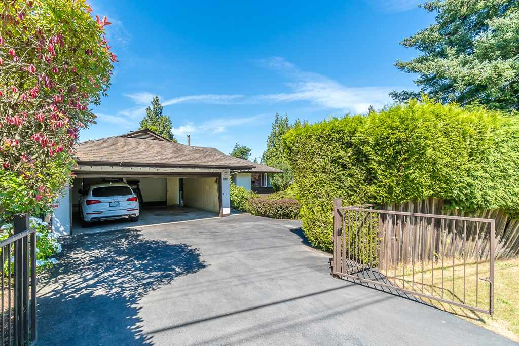 Detached at 5865 SPERLING AVENUE, Burnaby South, British Columbia. Image 2