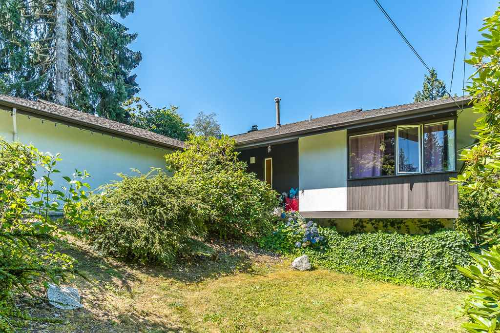 Detached at 5865 SPERLING AVENUE, Burnaby South, British Columbia. Image 3