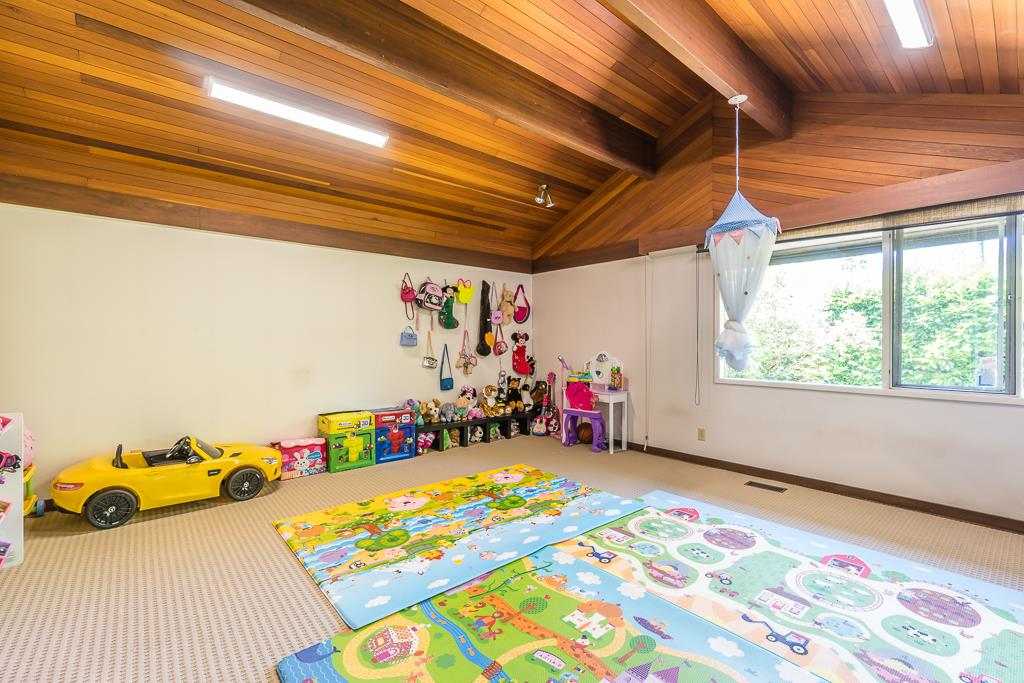 Detached at 5865 SPERLING AVENUE, Burnaby South, British Columbia. Image 9