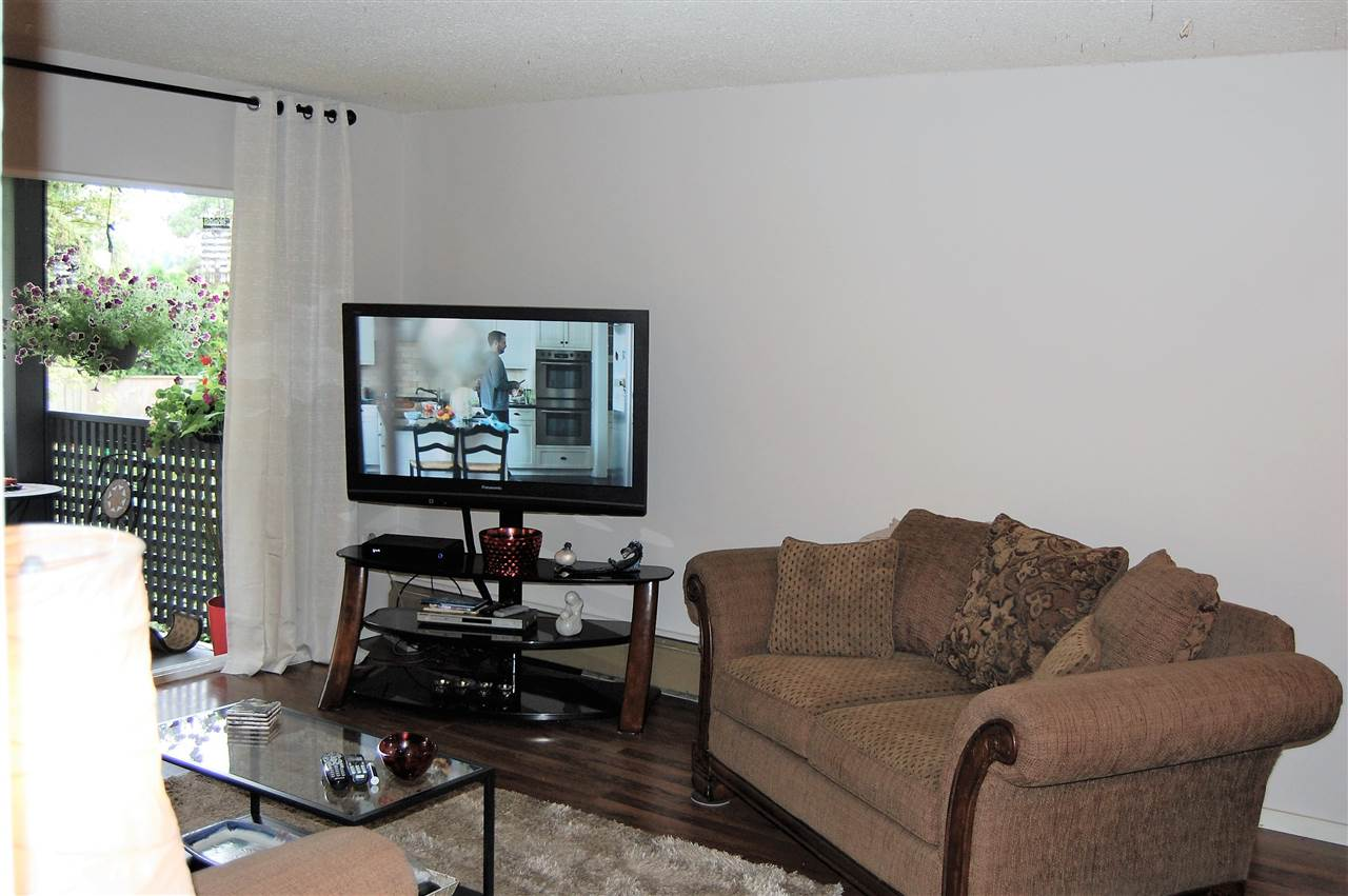 Condo Apartment at 111 200 WESTHILL PLACE, Unit 111, Port Moody, British Columbia. Image 2