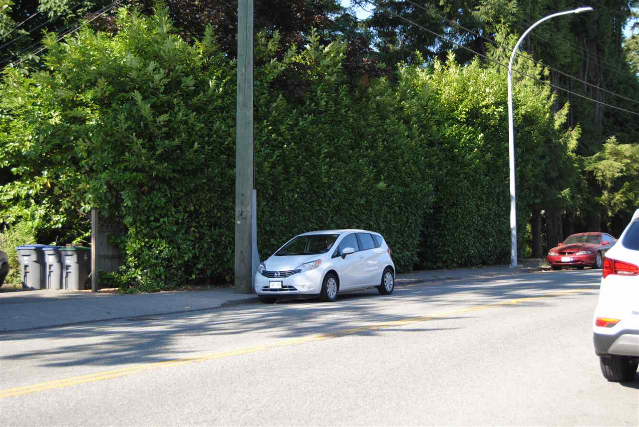 Detached at 16384 82ND AVENUE, Surrey, British Columbia. Image 3