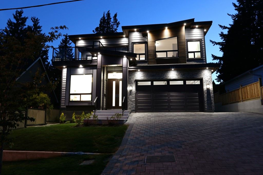 Detached at 315 ARCHER STREET, New Westminster, British Columbia. Image 2