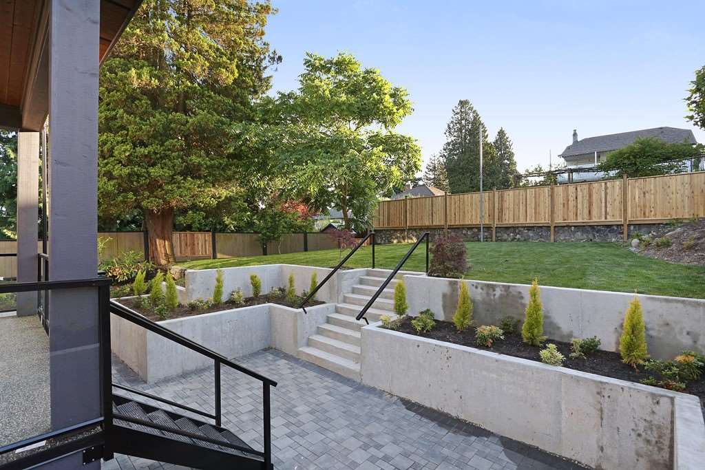 Detached at 315 ARCHER STREET, New Westminster, British Columbia. Image 18