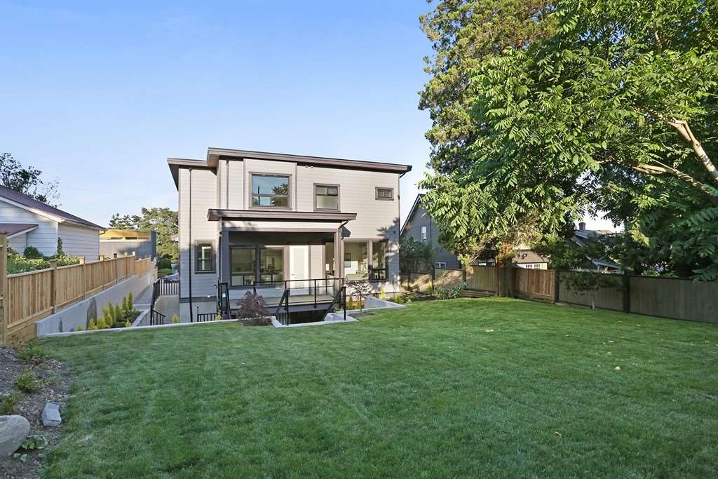 Detached at 315 ARCHER STREET, New Westminster, British Columbia. Image 19