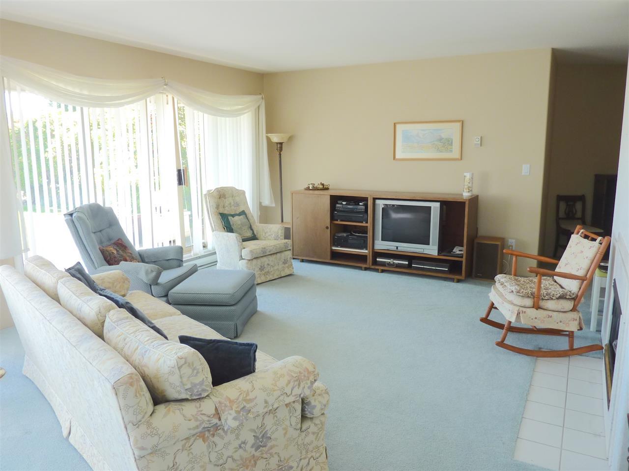 Condo Apartment at 22 555 EAGLECREST DRIVE, Unit 22, Sunshine Coast, British Columbia. Image 6