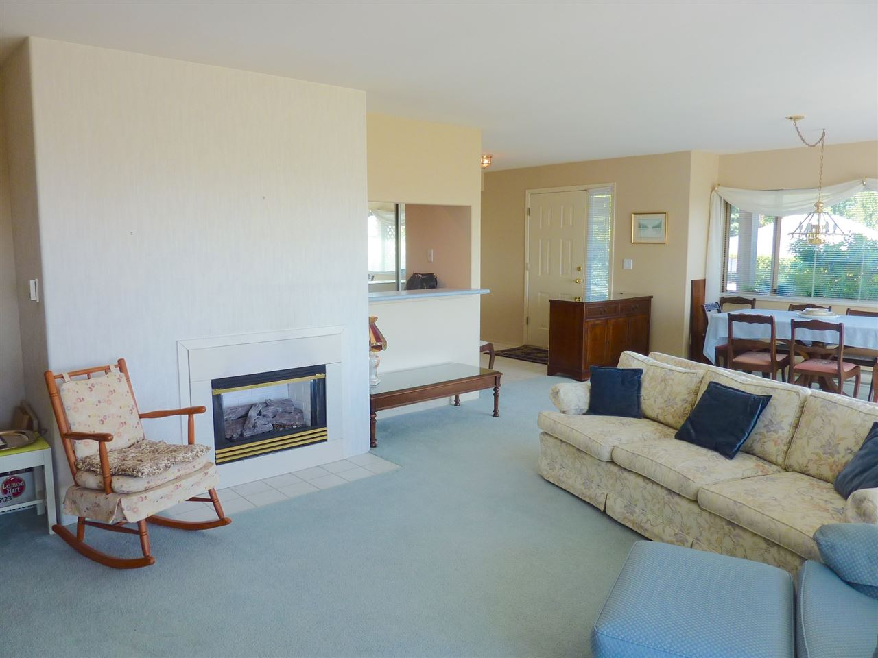 Condo Apartment at 22 555 EAGLECREST DRIVE, Unit 22, Sunshine Coast, British Columbia. Image 7
