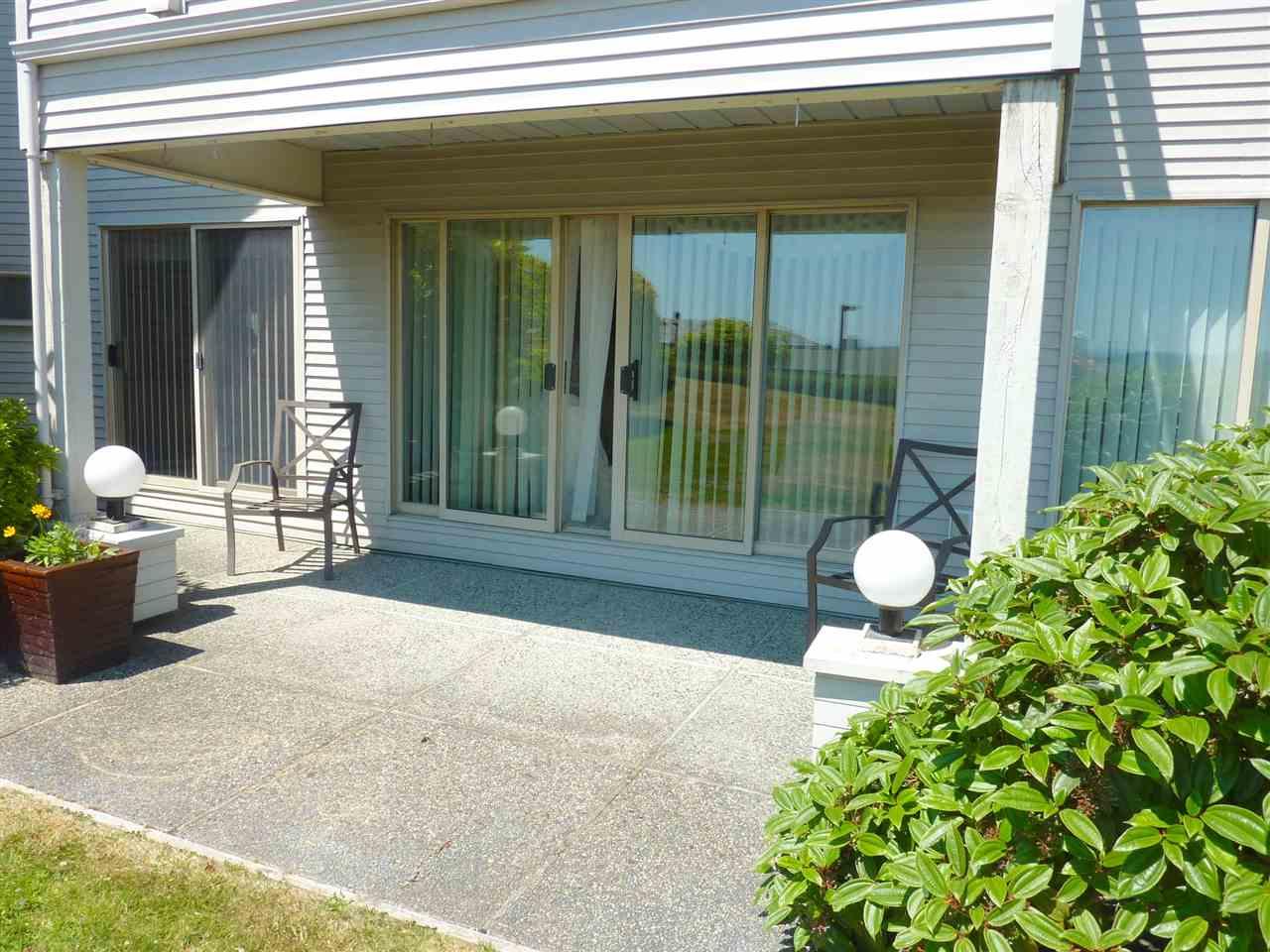 Condo Apartment at 22 555 EAGLECREST DRIVE, Unit 22, Sunshine Coast, British Columbia. Image 16