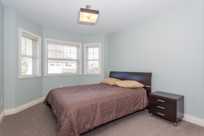 Detached at 21667 MURRAY'S CRESCENT, Langley, British Columbia. Image 13