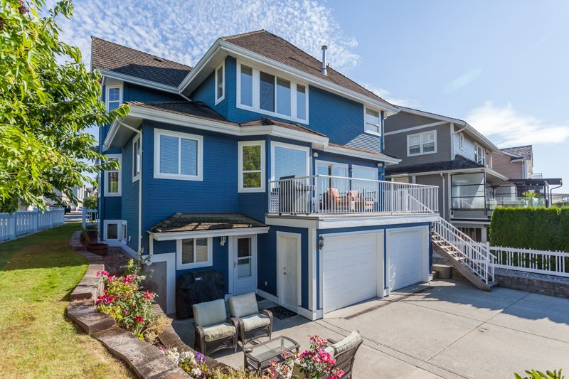 Detached at 21667 MURRAY'S CRESCENT, Langley, British Columbia. Image 17