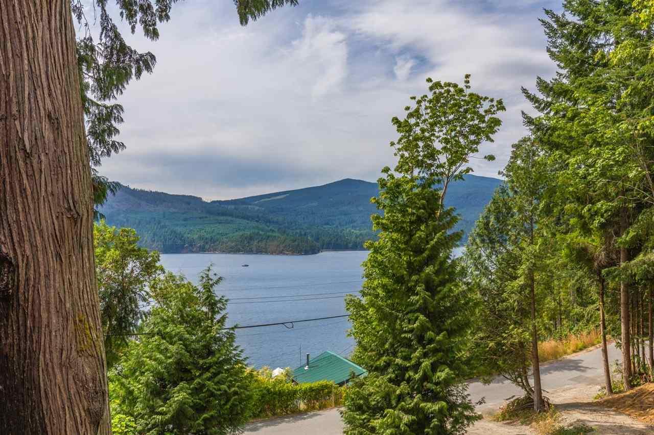 Detached at 6990 PORPOISE DRIVE, Sunshine Coast, British Columbia. Image 15