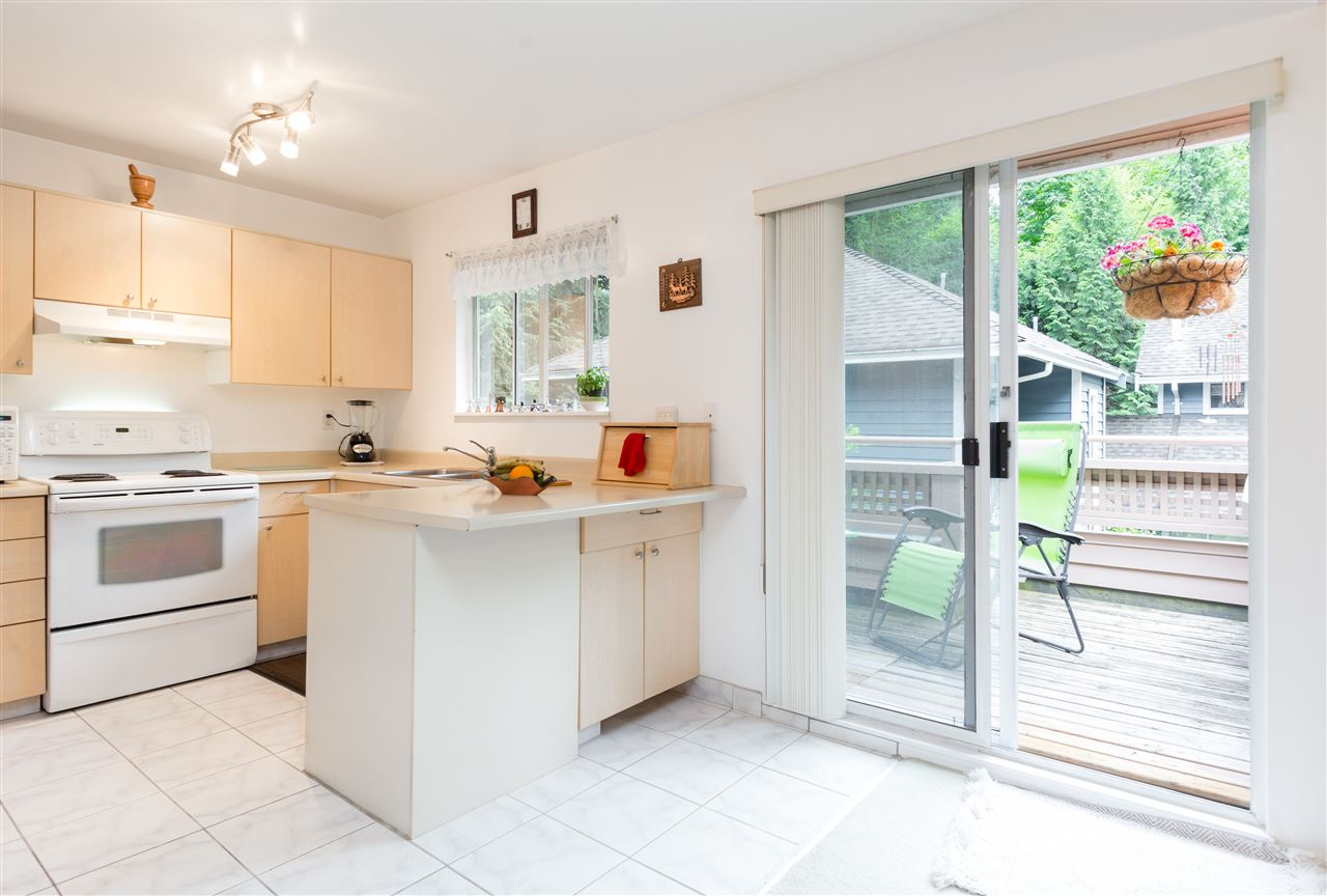Townhouse at 17 9000 ASH GROVE CRESCENT, Unit 17, Burnaby North, British Columbia. Image 10