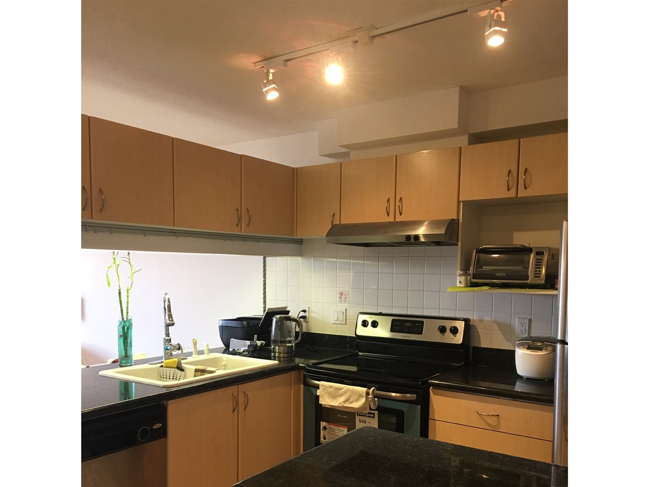 Condo Apartment at 904 6611 COONEY ROAD, Unit 904, Richmond, British Columbia. Image 7