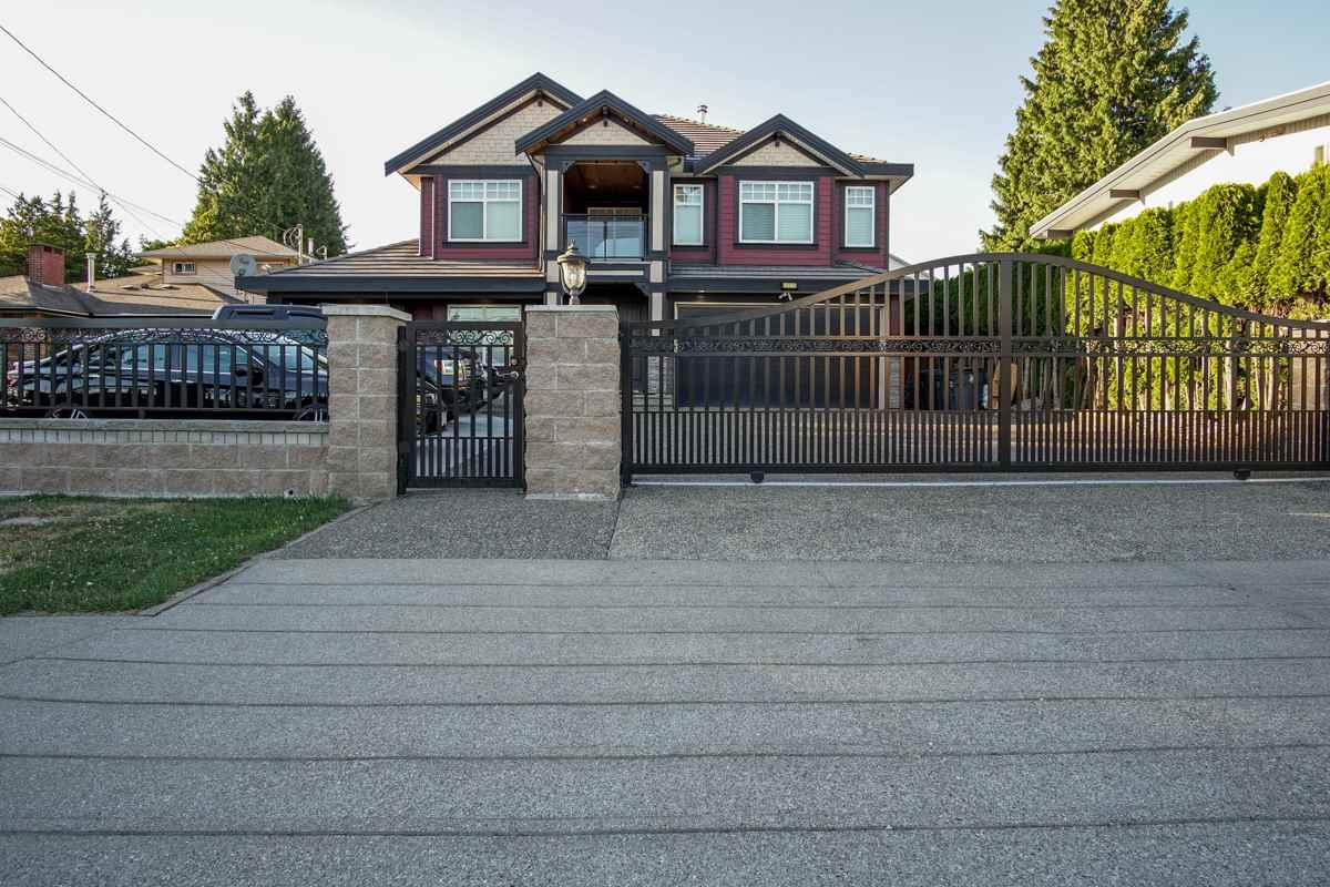 Detached at 13975 92 AVENUE, Surrey, British Columbia. Image 20