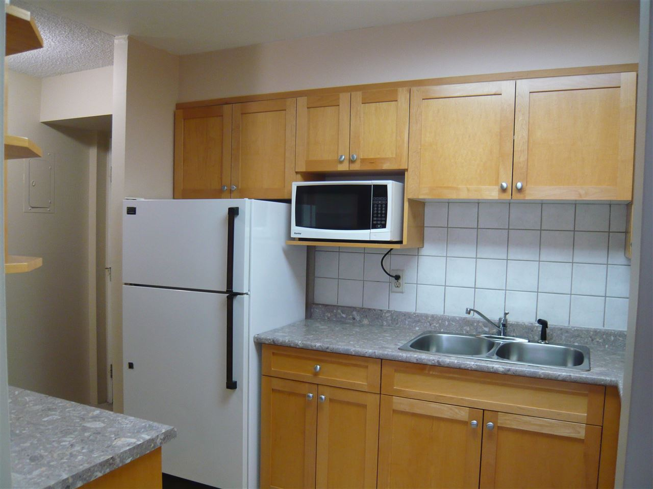 Condo Apartment at 1902 3737 BARTLETT COURT, Unit 1902, Burnaby North, British Columbia. Image 3