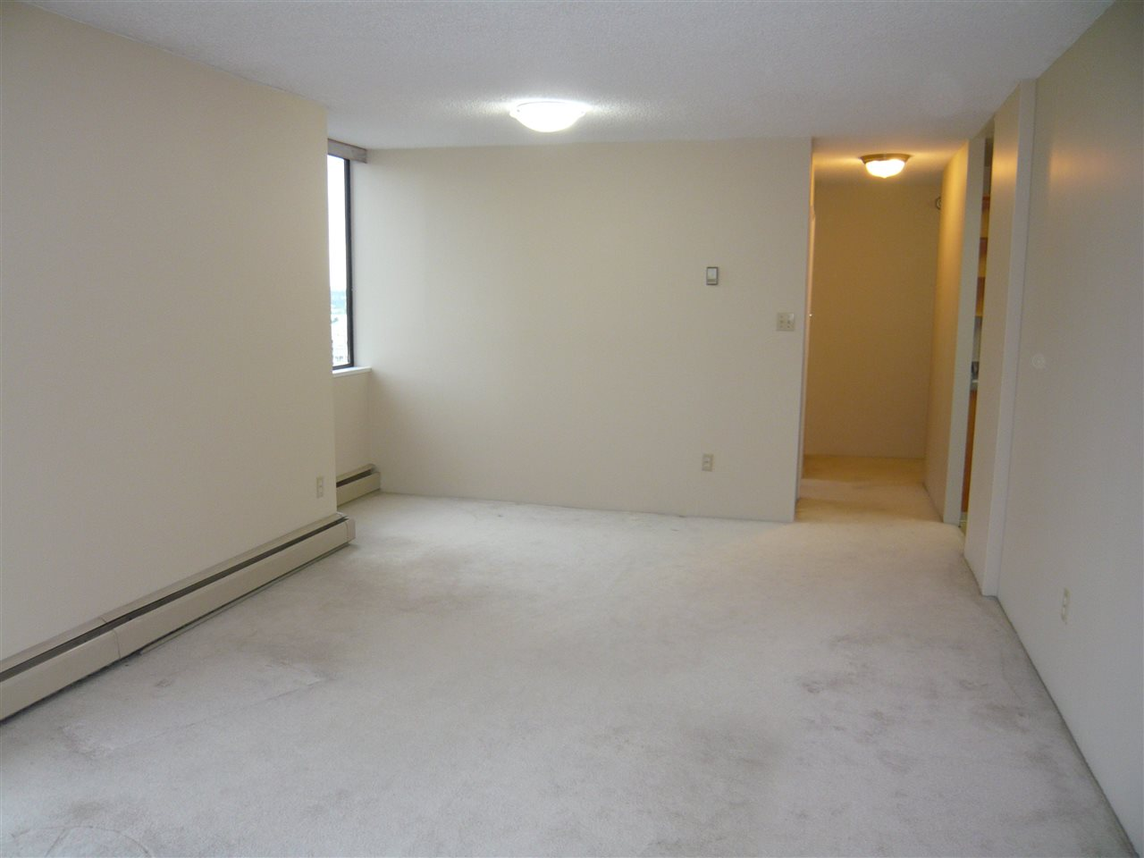 Condo Apartment at 1902 3737 BARTLETT COURT, Unit 1902, Burnaby North, British Columbia. Image 4