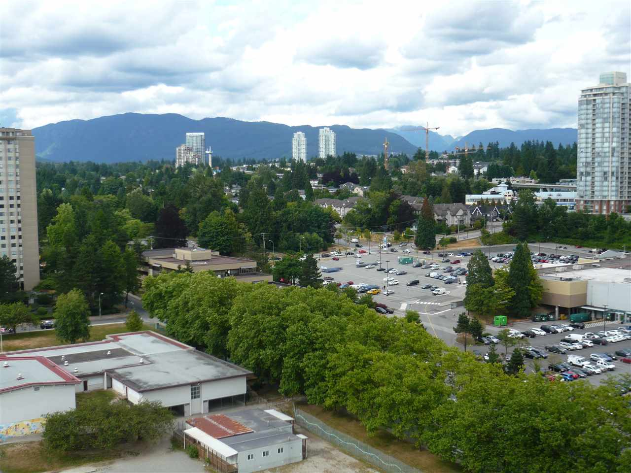 Condo Apartment at 1902 3737 BARTLETT COURT, Unit 1902, Burnaby North, British Columbia. Image 13