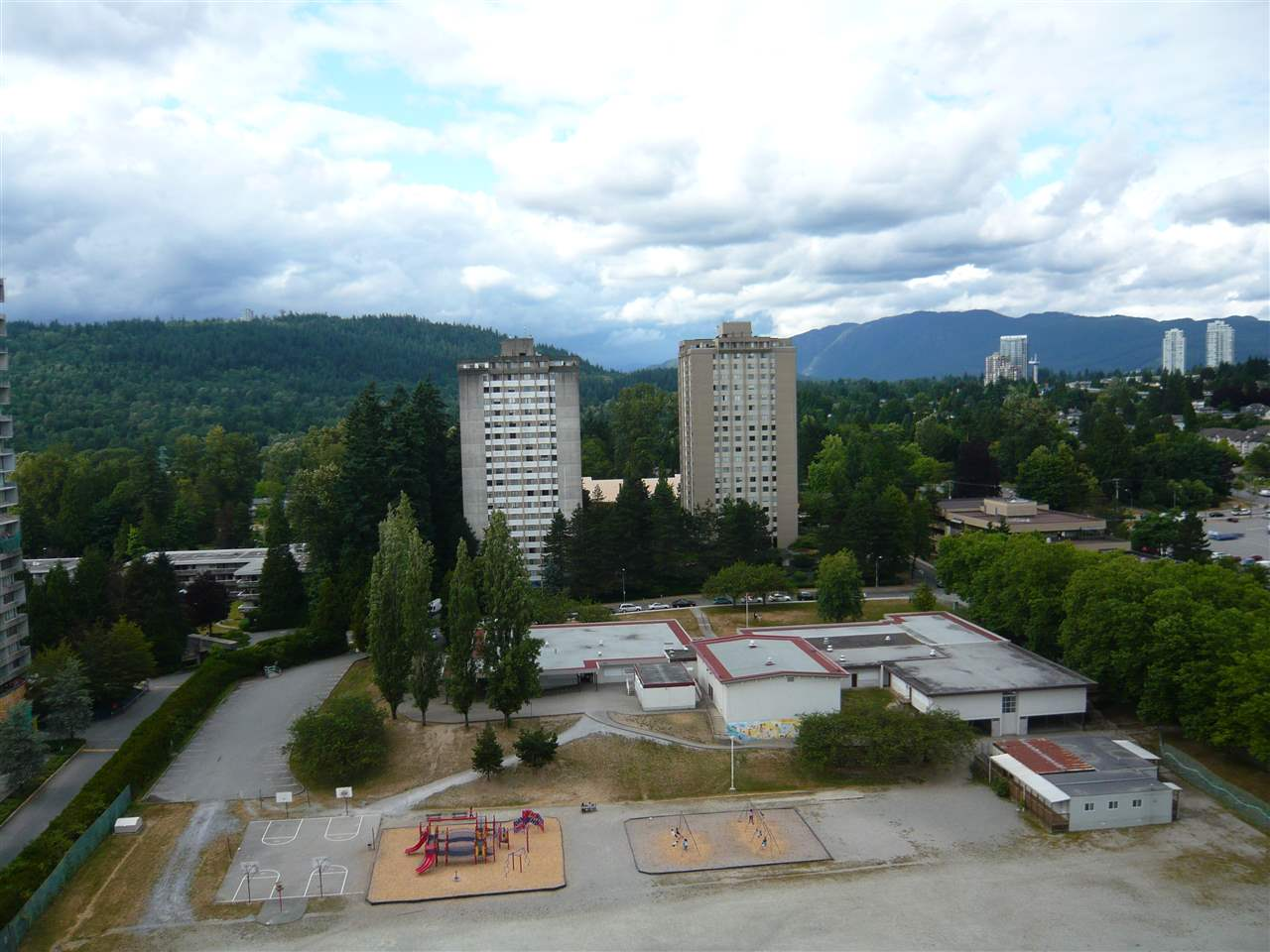 Condo Apartment at 1902 3737 BARTLETT COURT, Unit 1902, Burnaby North, British Columbia. Image 14