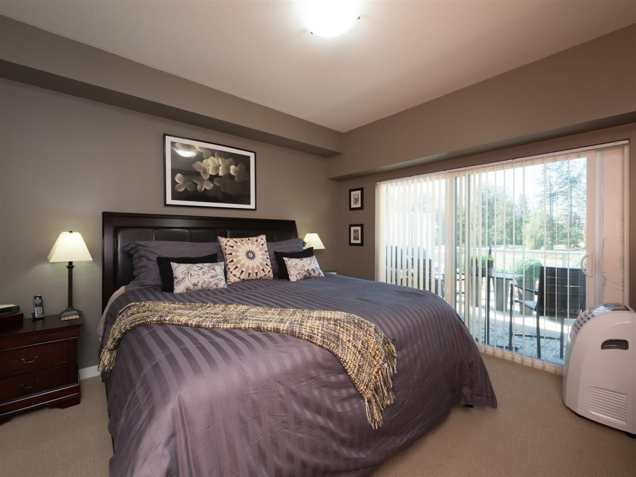Condo Apartment at 406 6480 194 STREET, Unit 406, Cloverdale, British Columbia. Image 8