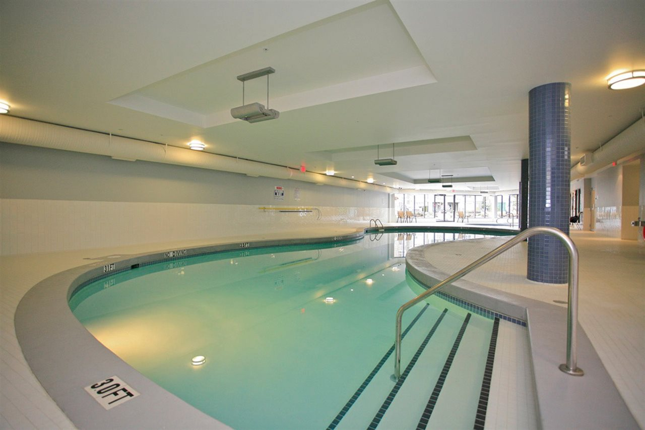 Condo Apartment at 406 6480 194 STREET, Unit 406, Cloverdale, British Columbia. Image 19