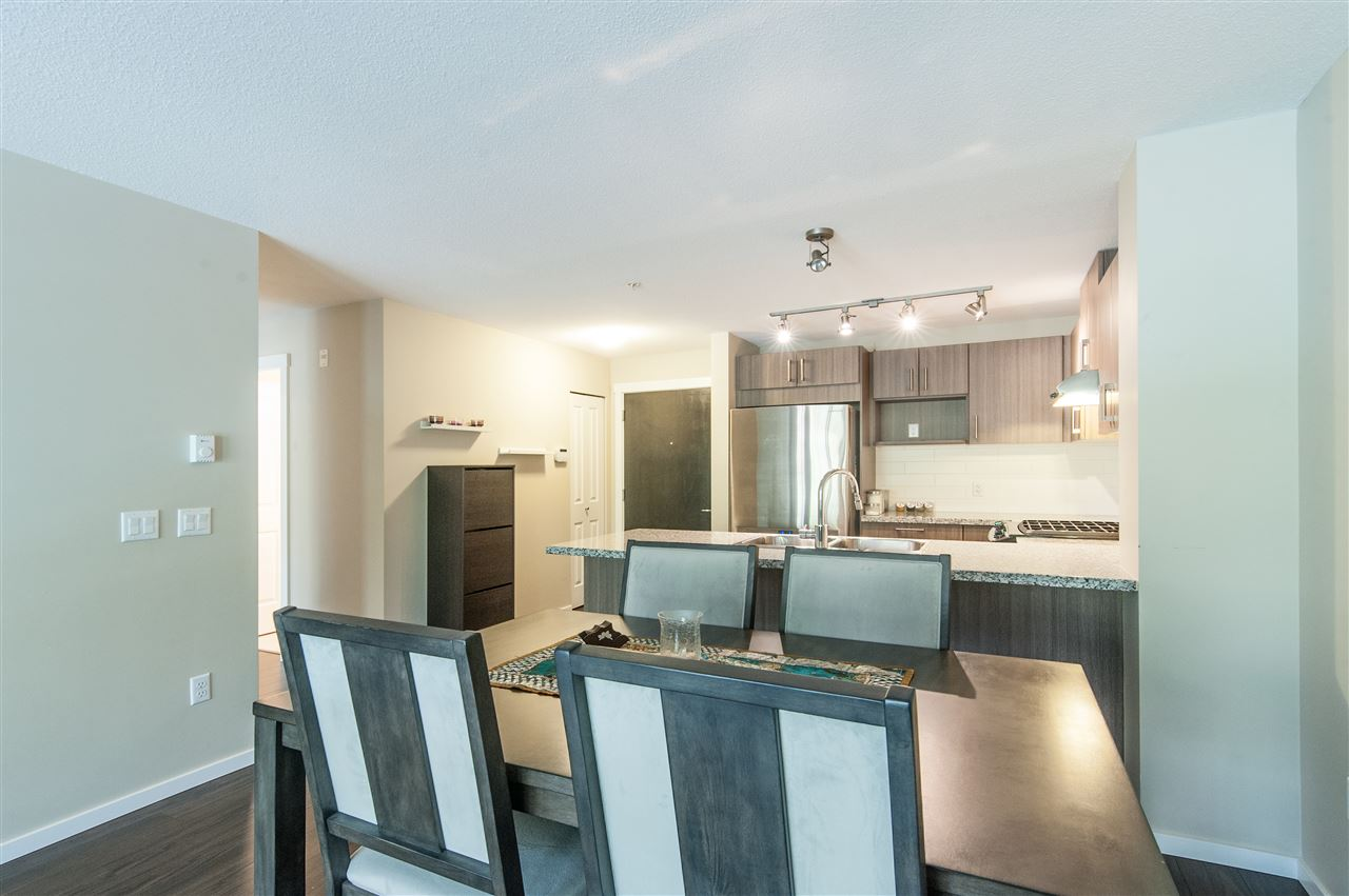 Condo Apartment at 302 3178 DAYANEE SPRINGS BOULEVARD, Unit 302, Coquitlam, British Columbia. Image 4