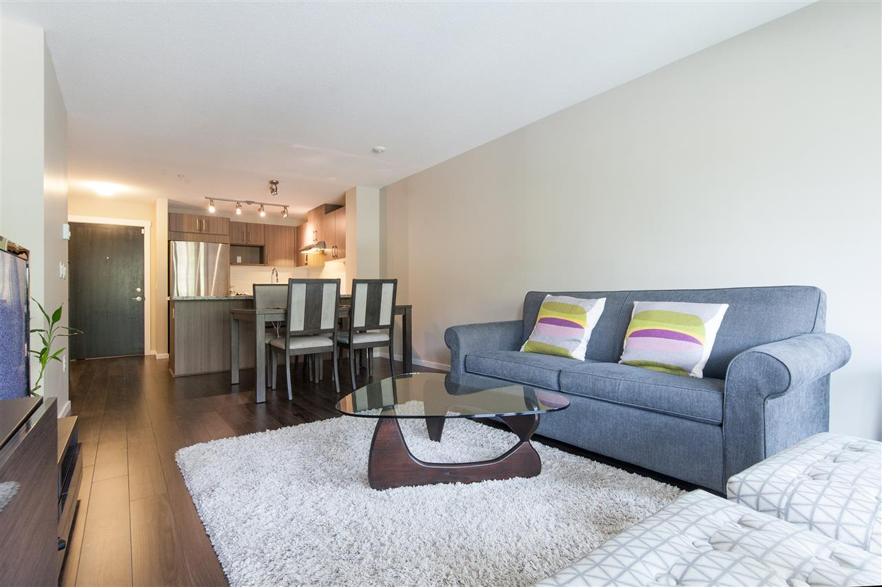 Condo Apartment at 302 3178 DAYANEE SPRINGS BOULEVARD, Unit 302, Coquitlam, British Columbia. Image 6