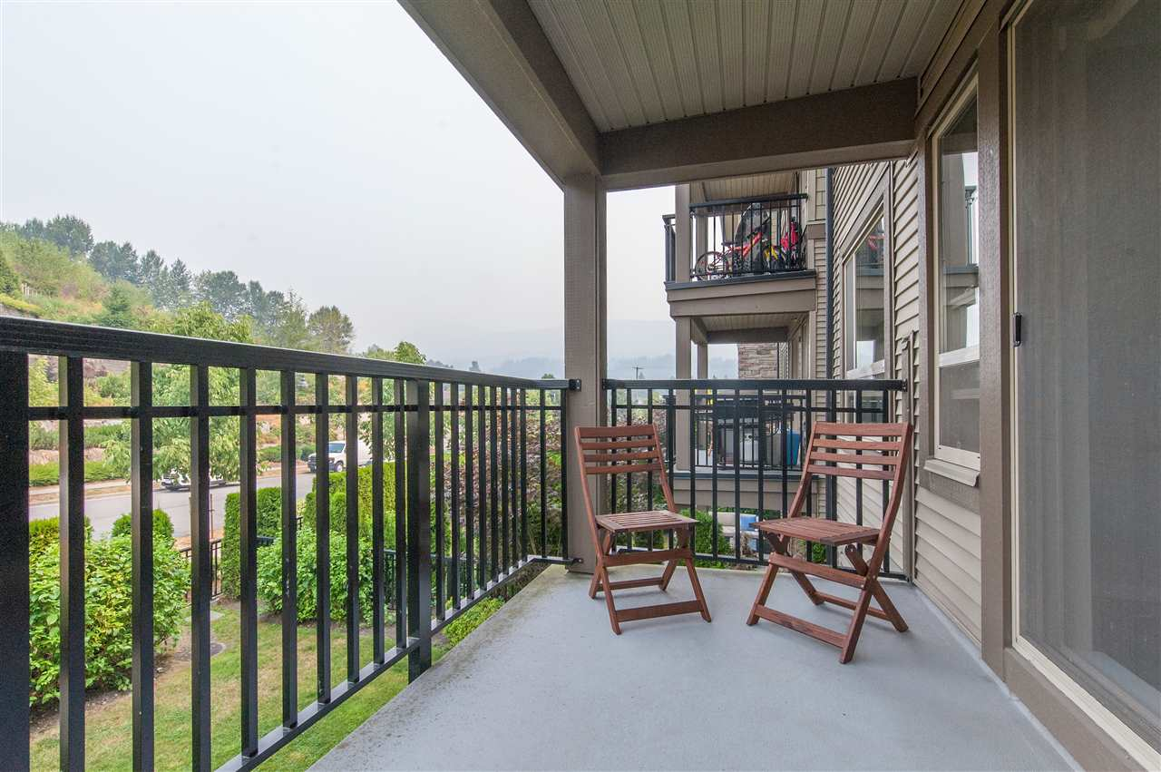 Condo Apartment at 302 3178 DAYANEE SPRINGS BOULEVARD, Unit 302, Coquitlam, British Columbia. Image 8