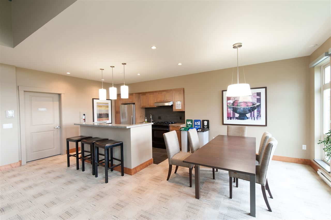 Condo Apartment at 302 3178 DAYANEE SPRINGS BOULEVARD, Unit 302, Coquitlam, British Columbia. Image 16