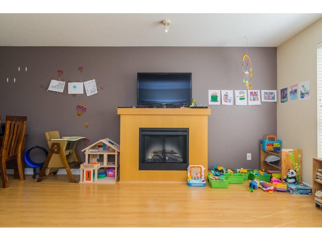 Condo Apartment at E212 8929 202 STREET, Unit E212, Langley, British Columbia. Image 5