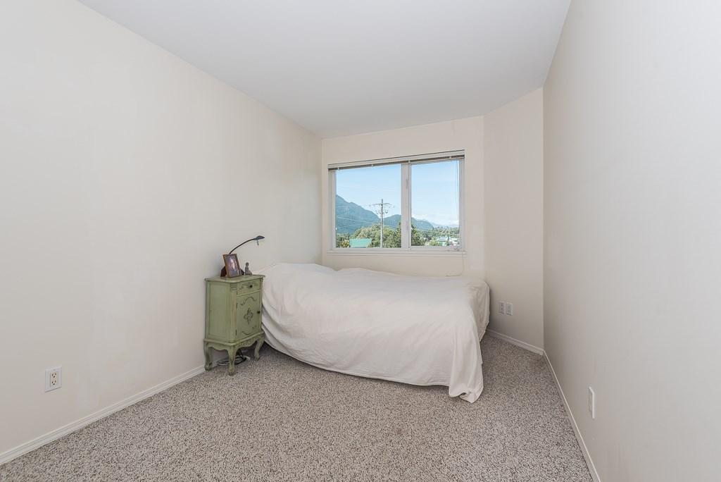 Condo Apartment at 307 1460 PEMBERTON AVENUE, Unit 307, Squamish, British Columbia. Image 10