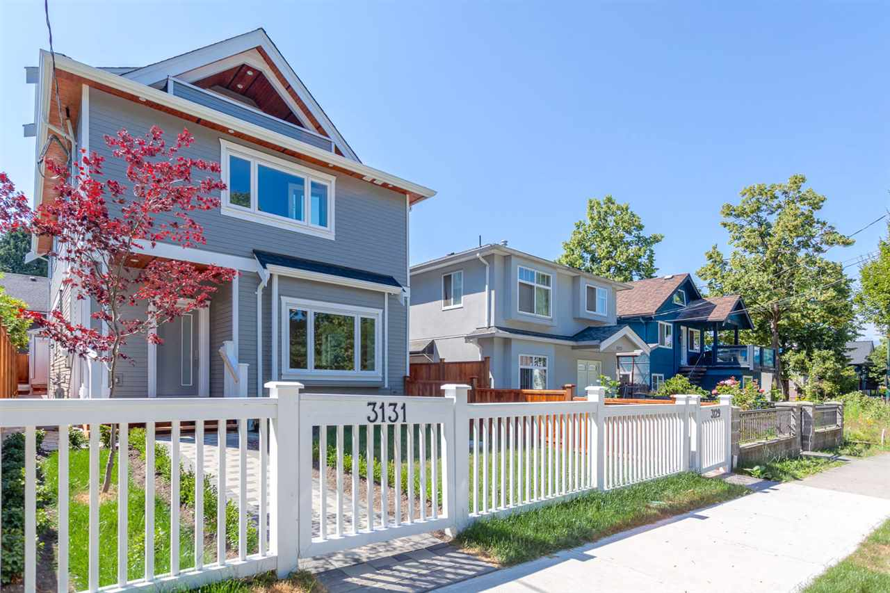 Half-duplex at 3131 VICTORIA DRIVE, Vancouver East, British Columbia. Image 1