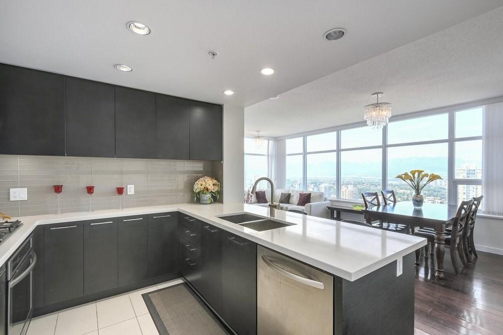 Condo Apartment at 3602 4880 BENNETT STREET, Unit 3602, Burnaby South, British Columbia. Image 3