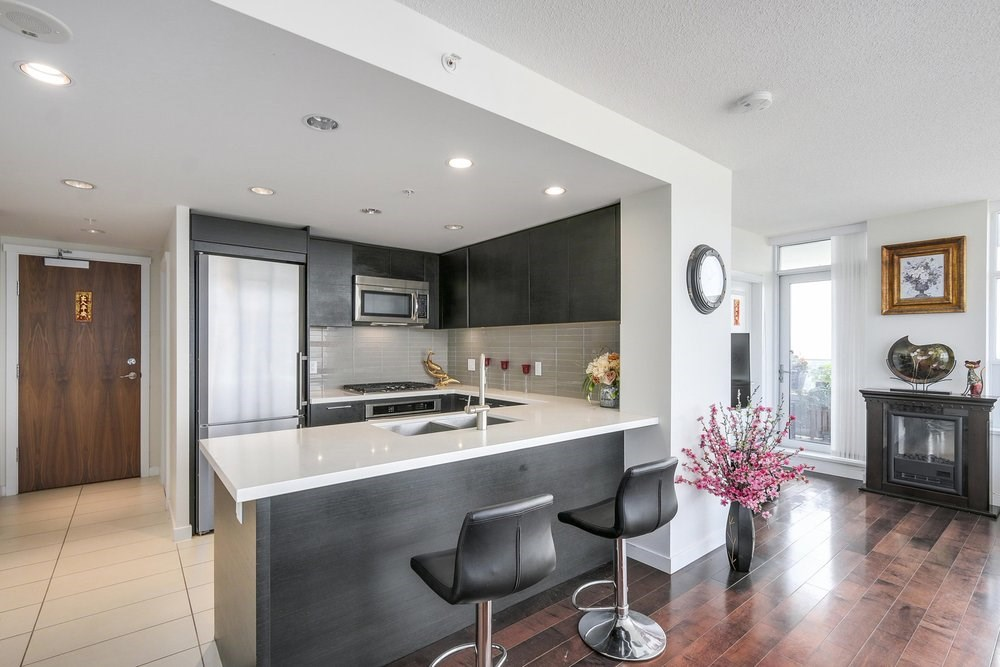 Condo Apartment at 3602 4880 BENNETT STREET, Unit 3602, Burnaby South, British Columbia. Image 4