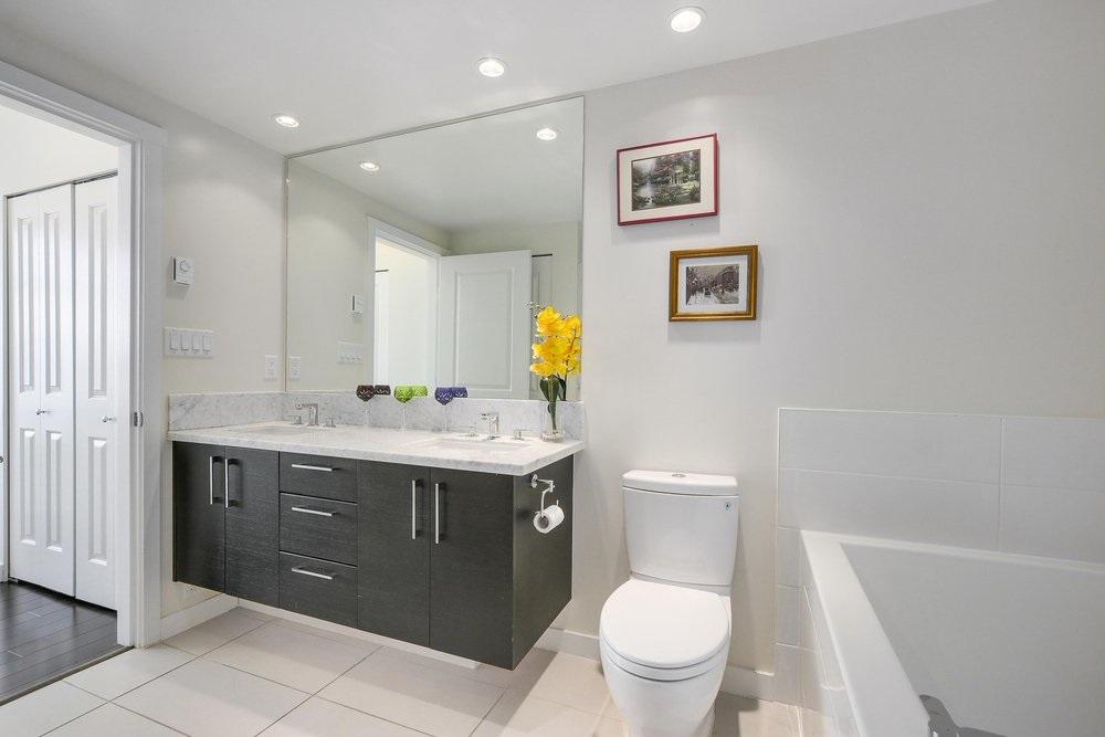 Condo Apartment at 3602 4880 BENNETT STREET, Unit 3602, Burnaby South, British Columbia. Image 14