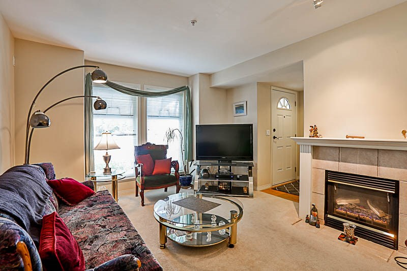 Townhouse at 4 15432 16A AVENUE, Unit 4, South Surrey White Rock, British Columbia. Image 2