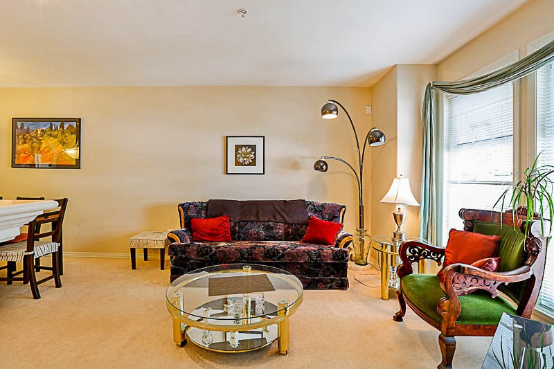 Townhouse at 4 15432 16A AVENUE, Unit 4, South Surrey White Rock, British Columbia. Image 3