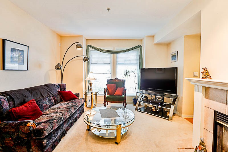 Townhouse at 4 15432 16A AVENUE, Unit 4, South Surrey White Rock, British Columbia. Image 4