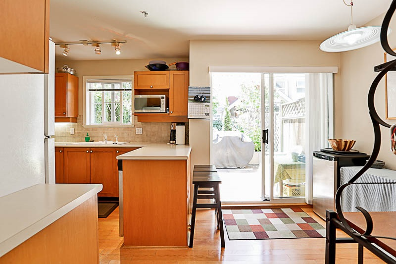 Townhouse at 4 15432 16A AVENUE, Unit 4, South Surrey White Rock, British Columbia. Image 7