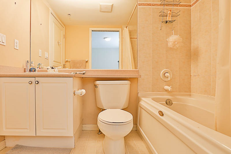 Townhouse at 4 15432 16A AVENUE, Unit 4, South Surrey White Rock, British Columbia. Image 11