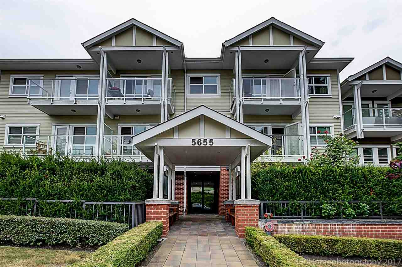 Condo Apartment at 304 5655 INMAN AVENUE, Unit 304, Burnaby South, British Columbia. Image 1