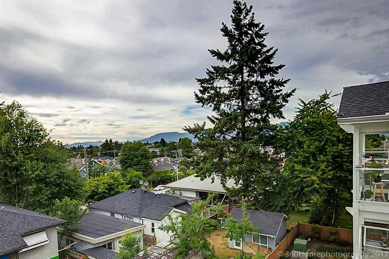 Condo Apartment at 304 5655 INMAN AVENUE, Unit 304, Burnaby South, British Columbia. Image 2
