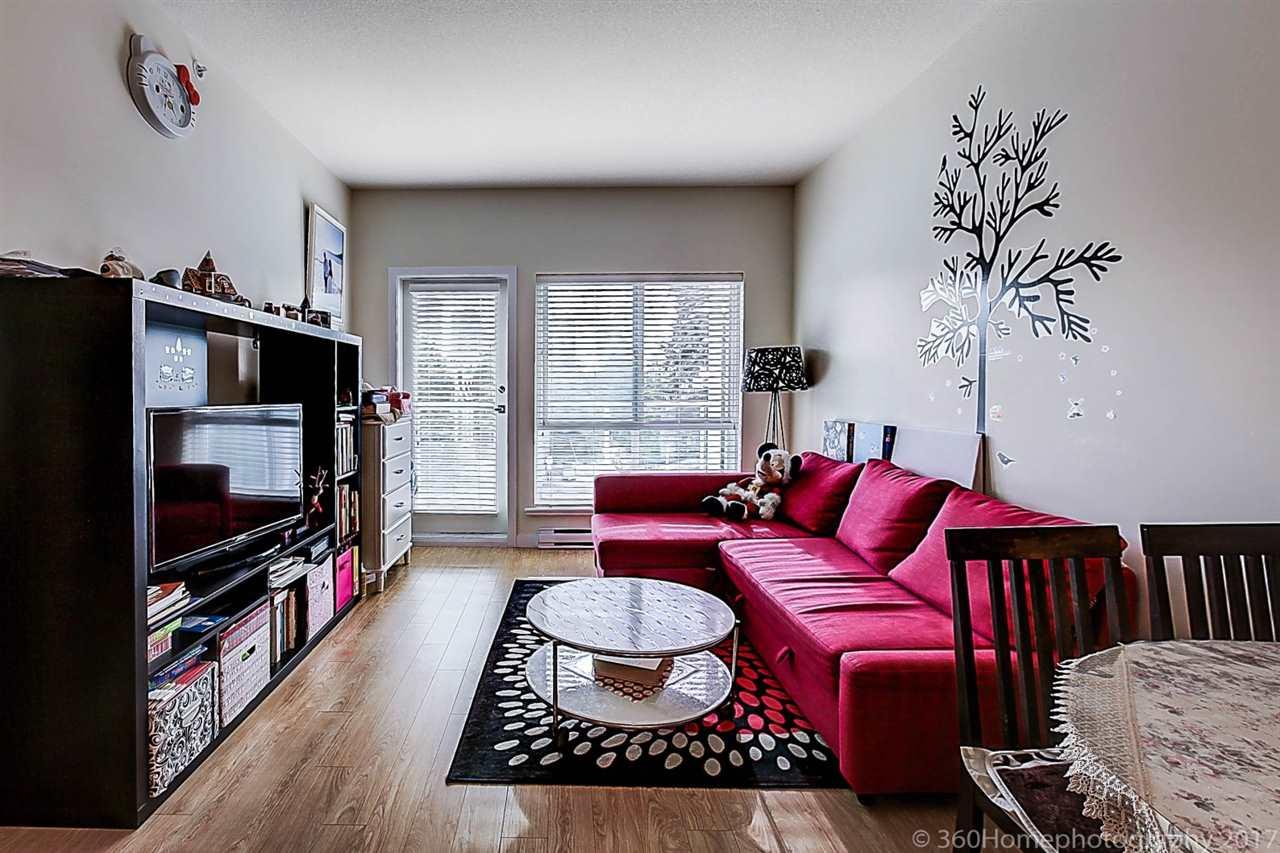 Condo Apartment at 304 5655 INMAN AVENUE, Unit 304, Burnaby South, British Columbia. Image 3