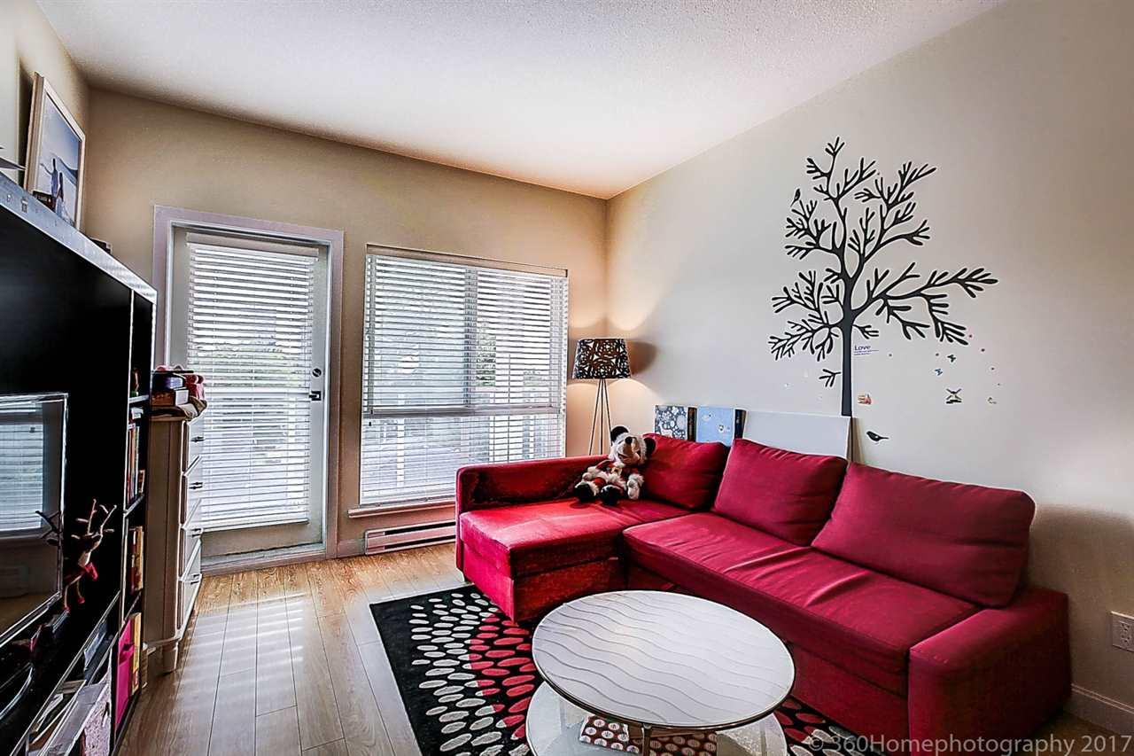 Condo Apartment at 304 5655 INMAN AVENUE, Unit 304, Burnaby South, British Columbia. Image 4
