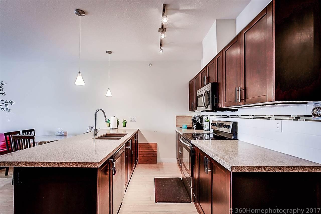 Condo Apartment at 304 5655 INMAN AVENUE, Unit 304, Burnaby South, British Columbia. Image 5