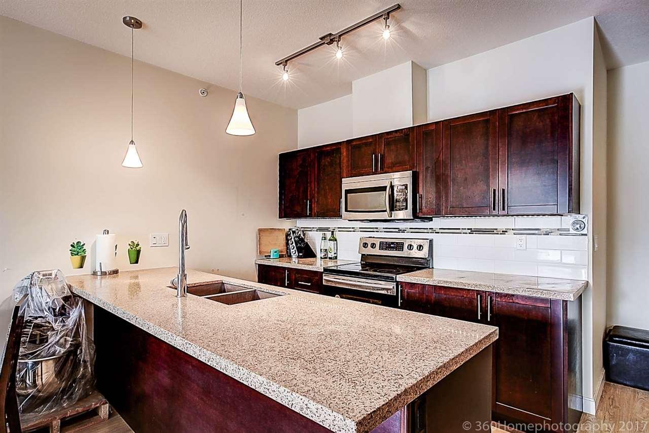 Condo Apartment at 304 5655 INMAN AVENUE, Unit 304, Burnaby South, British Columbia. Image 6