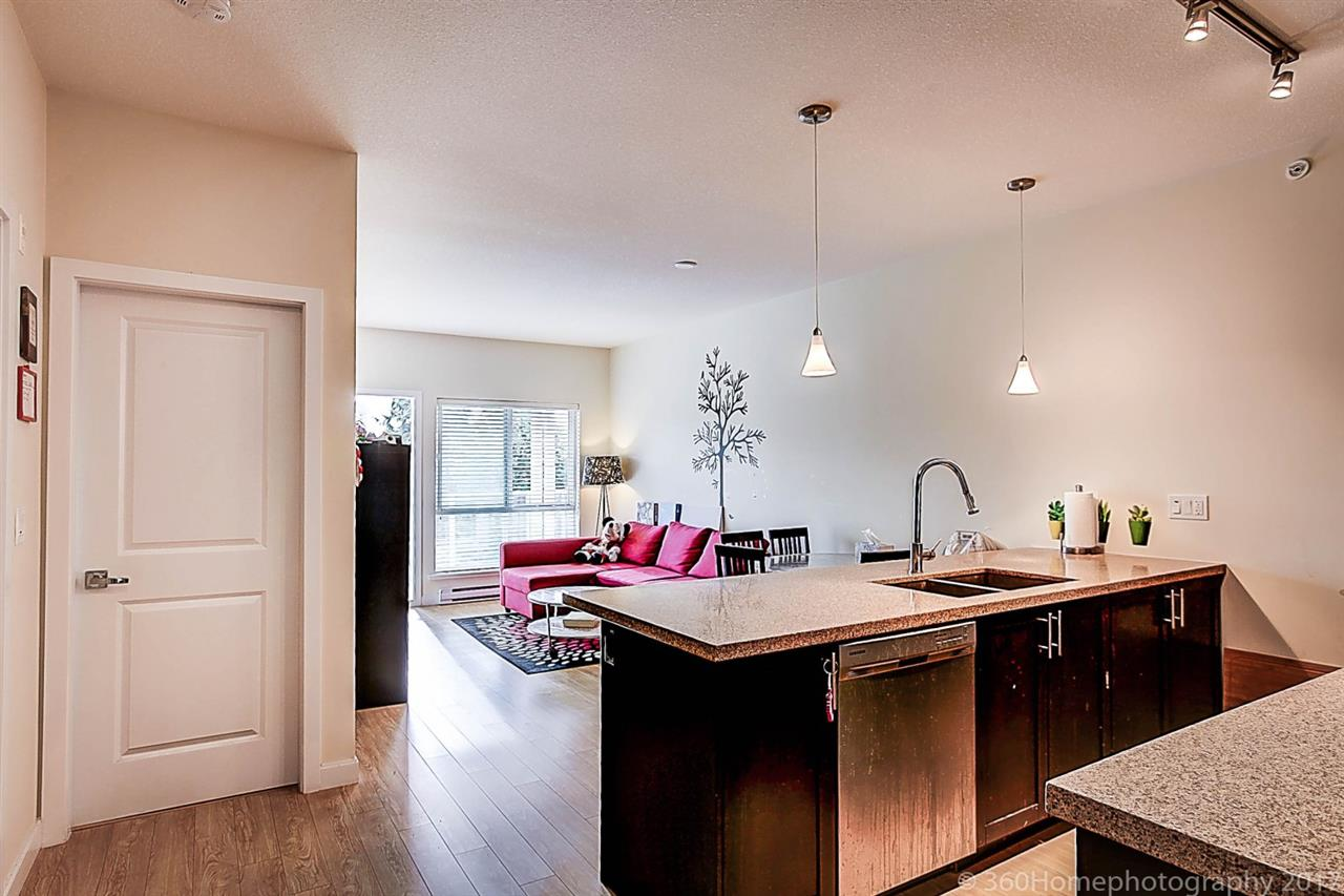 Condo Apartment at 304 5655 INMAN AVENUE, Unit 304, Burnaby South, British Columbia. Image 8