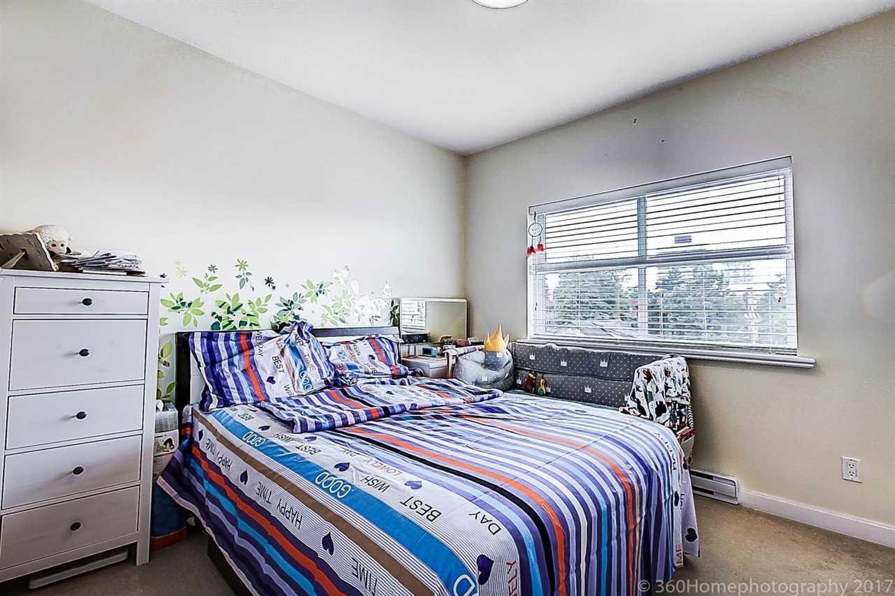Condo Apartment at 304 5655 INMAN AVENUE, Unit 304, Burnaby South, British Columbia. Image 11