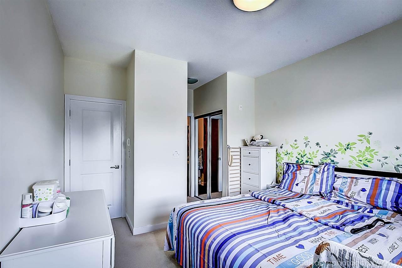 Condo Apartment at 304 5655 INMAN AVENUE, Unit 304, Burnaby South, British Columbia. Image 12